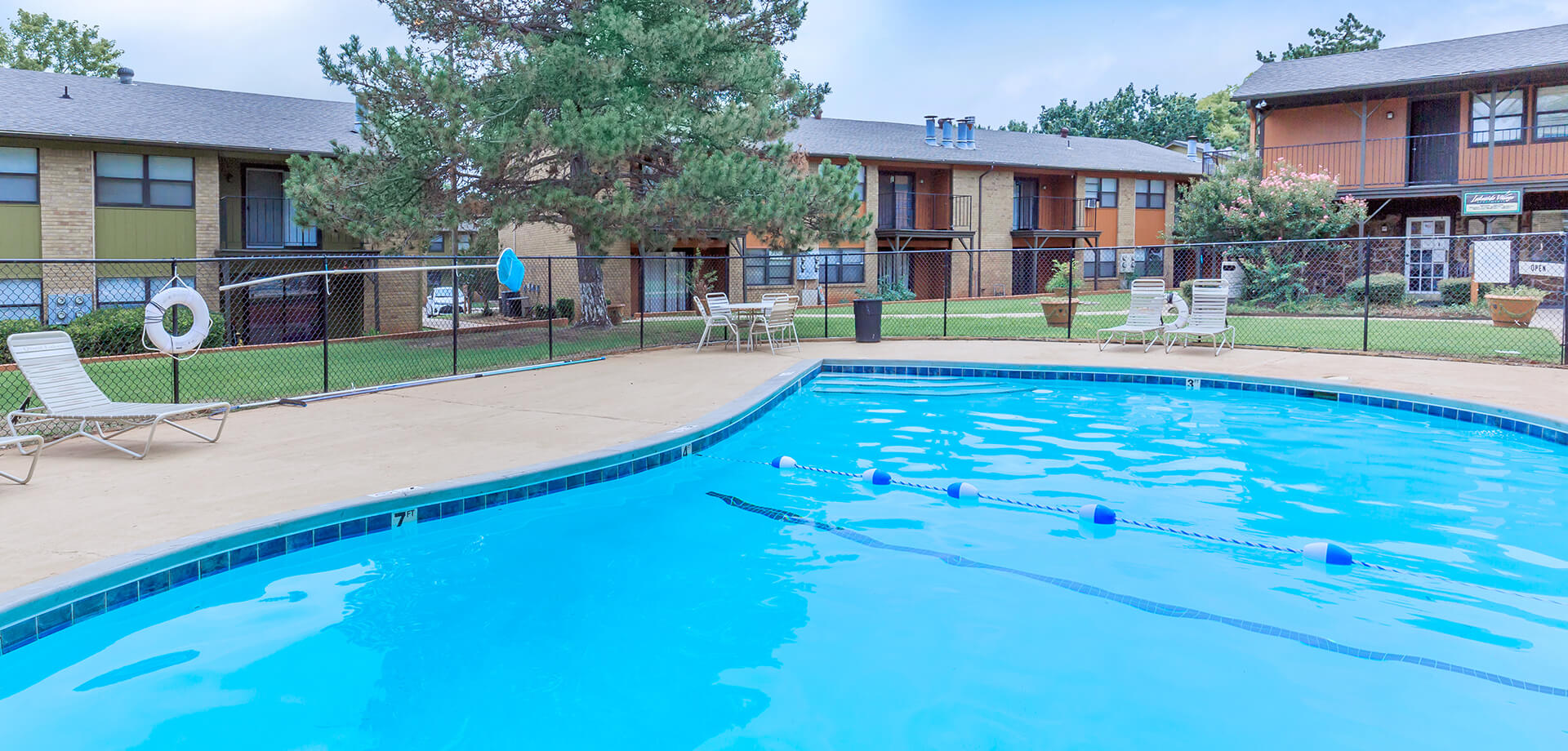 Lakeside Village Apartments Okc
